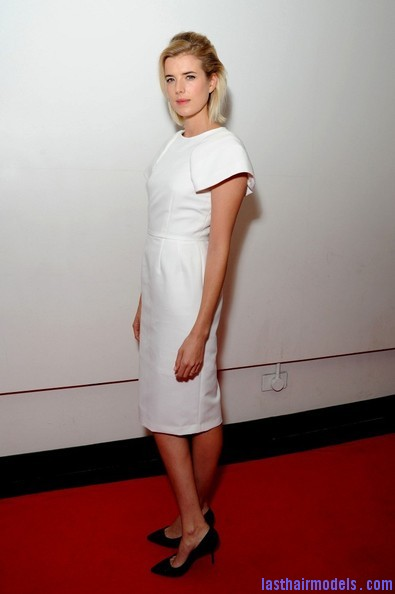 Agyness+Deyn+Updos+Half+Up+Half+Down+k xhDJOckezl Agynesss side swept half tie:  Every inch feminine!