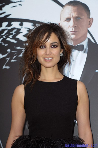 Berenice+Marlohe+Skyfall+Paris+Photocall+erXaXHq6w2xl Berenice Marlohe's  loose messy hairstyle: Using the messy trend to perfection!