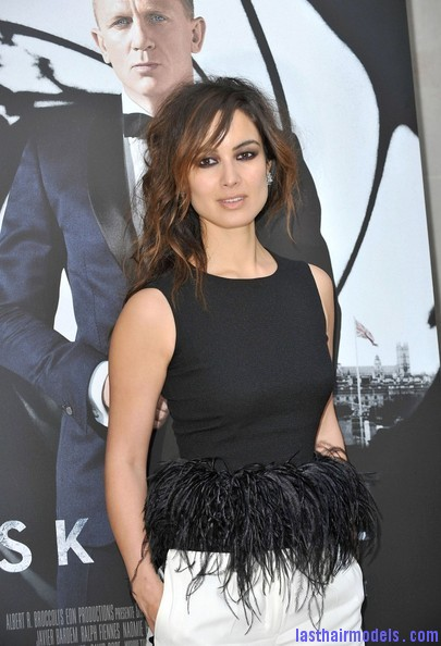 Berenice+Marlohe+Skyfall+Photocall+Paris+ oaenrql8RLl Berenice Marlohe's  loose messy hairstyle: Using the messy trend to perfection!