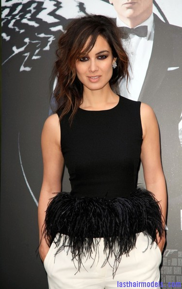 Berenice+Marlohe+Skyfall+Stars+Paris+1QFShyT9RzJl Berenice Marlohe's  loose messy hairstyle: Using the messy trend to perfection!
