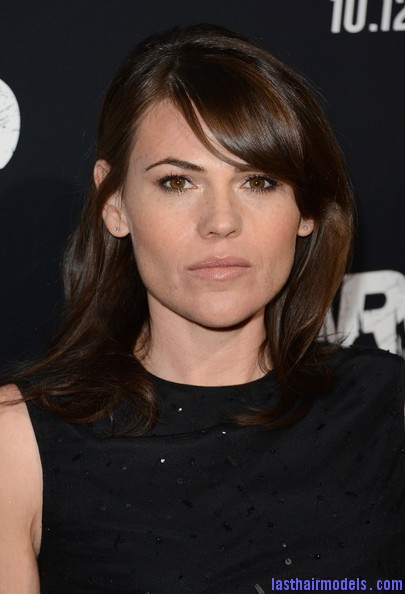 Clea+DuVall+Shoulder+Length+Hairstyles+Medium+AHL43WoCX3Sl Clea DuVall's shiny wavy locks: Best shoulder length hairstyle!