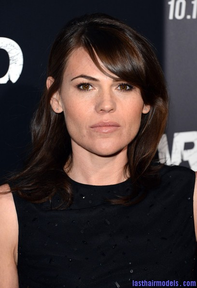 Clea+DuVall+Shoulder+Length+Hairstyles+Medium+r2 MxLNOgtnl Clea DuVall's shiny wavy locks: Best shoulder length hairstyle!