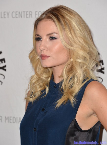 Elisha+Cuthbert+Long+Hairstyles+Long+Curls+jut 6UXR78Al Elisha Cuthbert's two toned curly hairstyle: Sleek thin waves!