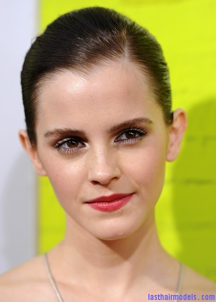 Emma+Watson+Makeup+Red+Lipstick+XLlSGZin1ihl Emma Watsons tight ballerina bun: Looking as polished as ever!