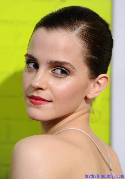 Emma+Watson+Makeup+Red+Lipstick+cznx2hN4Rdvl Emma Watsons tight ballerina bun: Looking as polished as ever!