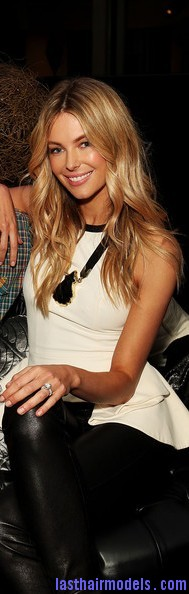 Jennifer+Hawkins+MBFFS+2012+MYER+Backstage+5 OHBE8uGnYl Jennnifer Hawkins's curly wavy hairstyle: Perfectly carved!!