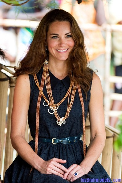 Kate+Middleton+Long+Hairstyles+Long+Wavy+Cut+ sPKoHGN1Jdl Kate's messy wavy look: Great sense of an outing!