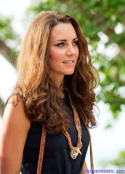 Kate+Middleton+Long+Hairstyles+Long+Wavy+Cut+qC2dR63C iDl Kate's messy wavy look: Great sense of an outing!
