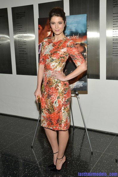 Mary+Elizabeth+Winstead+Heels+Evening+Pumps+WuWbmv TqeHl Flaunting simple buns like Mary Elizabeth Winstead..