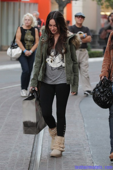 Megan+Fox+Megan+Fox+Shops+LA+pxtnr8hx2NYl Megan Foxs straight hair: Loving the grocery store look!