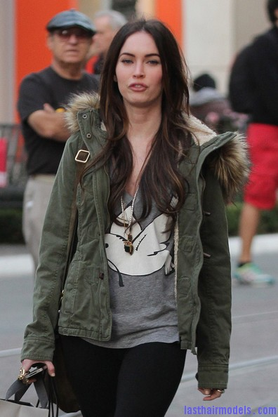 Megan+Fox+Megan+Fox+Shops+LA+varsFdsF6tIl Megan Foxs straight hair: Loving the grocery store look!