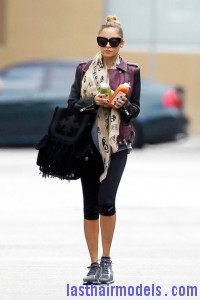 Nicole+Richie+Scarves+Patterned+Scarf+hkItKmGk8T2l 200x300 Nicole+Richie+Scarves+Patterned+Scarf+hkItKmGk8T2l