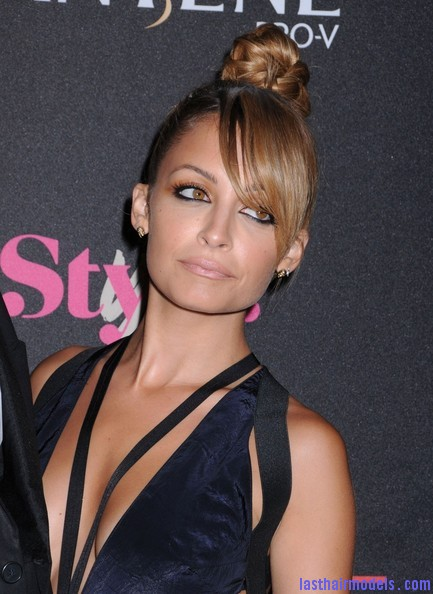 Nicole+Richie+Updos+Braided+Bun+eXavDxekGG1l Nicole Richie's apple top bun with front bangs: Different style statement!