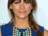 Rashida+Jones+Long+Hairstyles+Long+Braided+31BeiLL6-k-l