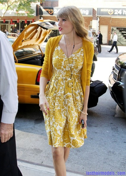Taylor+Swift+Dresses+Skirts+Print+Dress+ZBDM kQ1pqrl Taylor Swift's curls with front heavy bangs: Elegance!!!