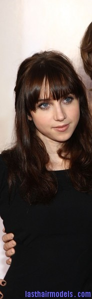 Zoe+Kazan+Long+Hairstyles+Long+Wavy+Cut+Bangs+A6wmYKrXJOnl Zoe Kazan's wavy half tie: Gorgeous hairstyle with bangs!