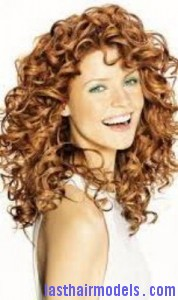side-parted curls7