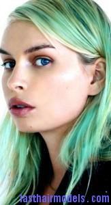 green hair4