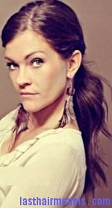 twin loop ponytail4
